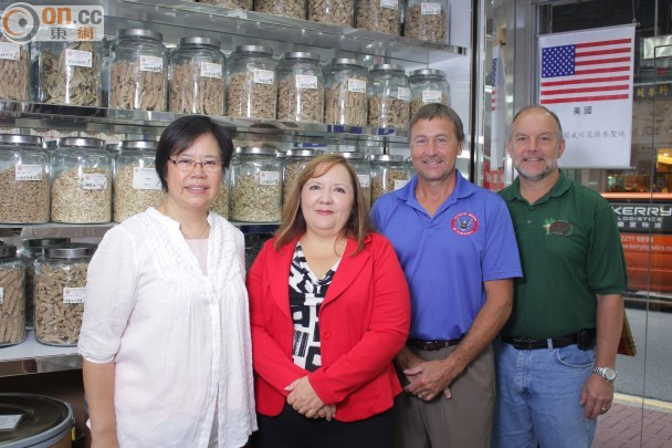 Recent visit to Hong Kong to promote Wisconsin American Ginseng with Marinda Lau from Great Neck Healthy Foods. Next to Marinda is Lori McGehee, Tom Hack and Jeff Lewis.